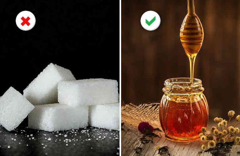 Sustituye el azúcar procesado por miel cruda en tus postres e infusiones.